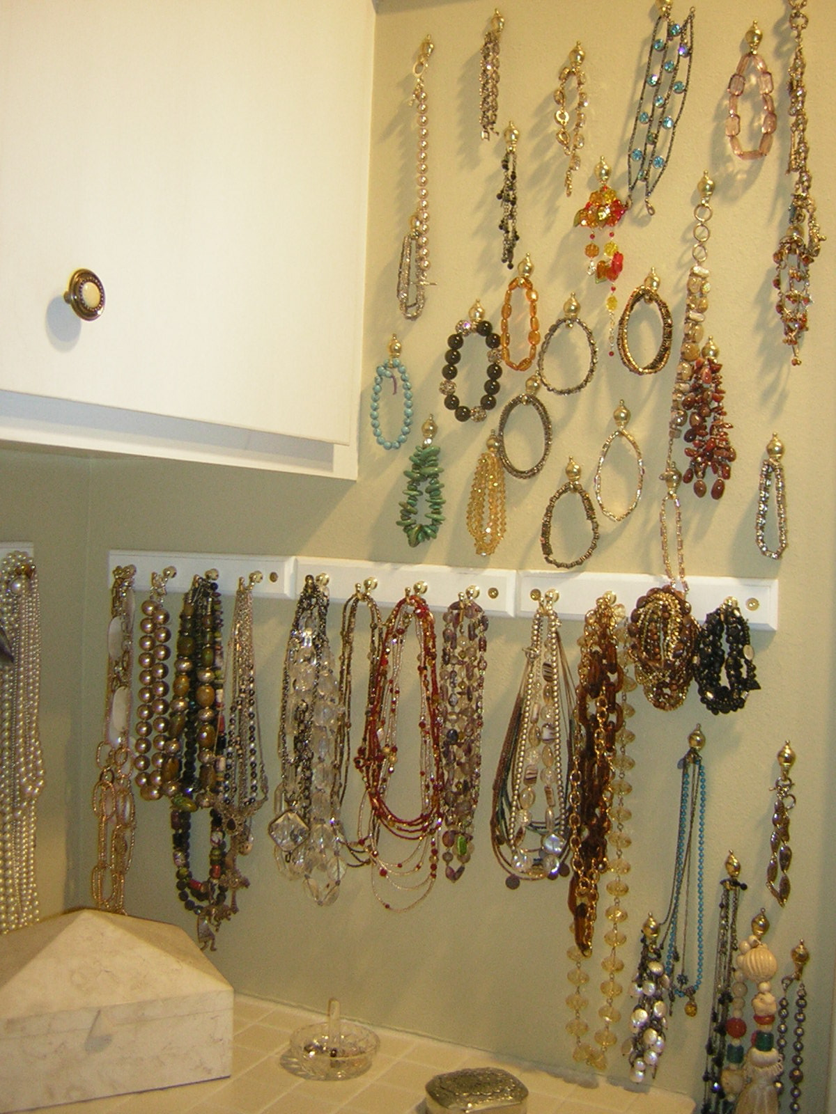 Jewelry organizing ideas what are yours san diego - Ideas for storing jewellery ...